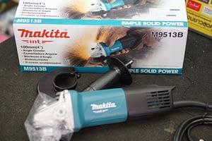 """เครื่องเจียร์ 4"""" Makita M9513B"""