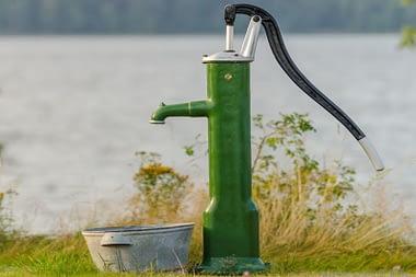 hand-water-pump